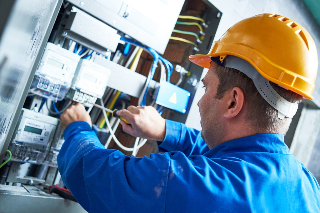 Electrician In Oklahoma City, OK: What Are The Important Considerations To Take Into Account?